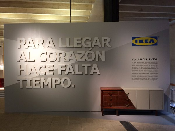 Entrada tienda Ikea 20 años juntos